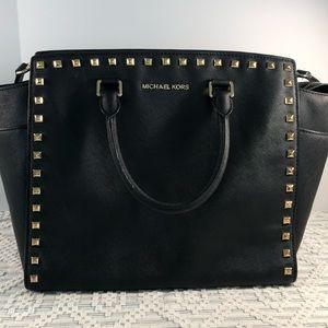 Large Black Michael Korss handbag with studs LN